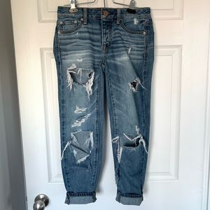 American Eagle Boy Crop Ripped Jeans
